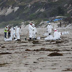 2015 Plains oil spill cleanup