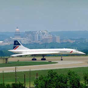 Supersonic airplane