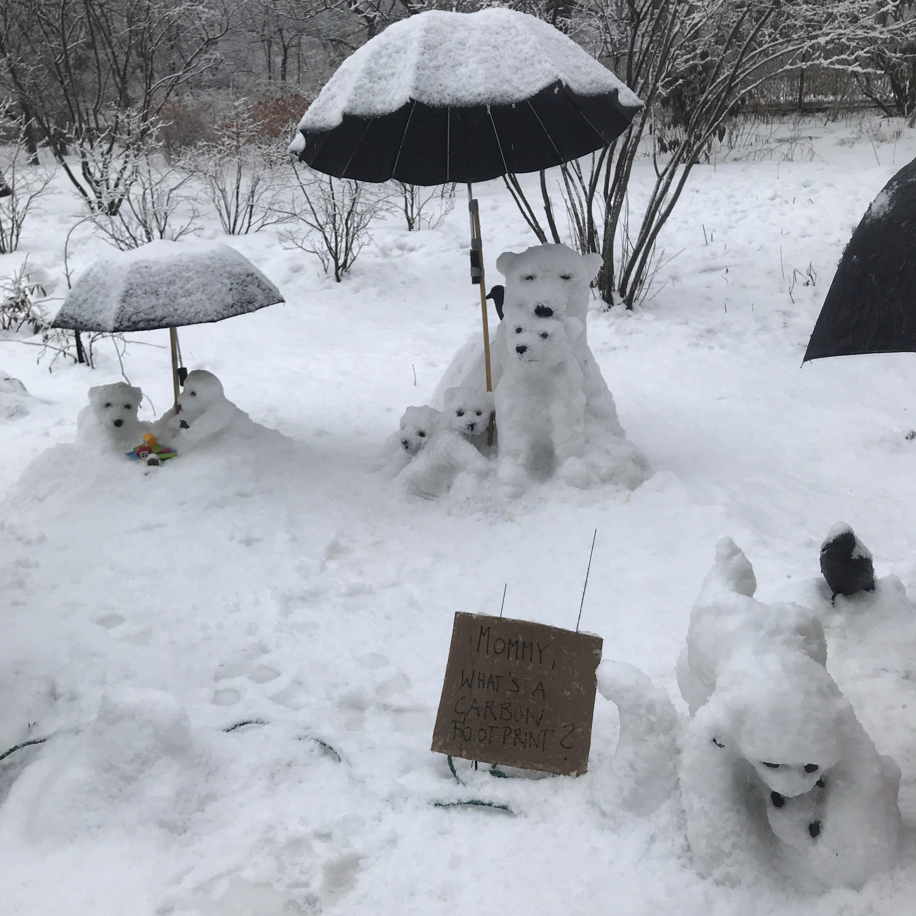 Polar bear snow sculptures by Heide Hatry