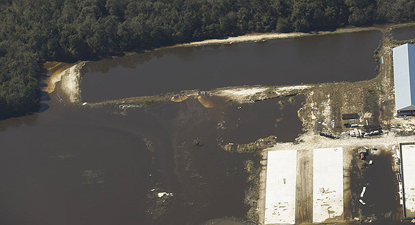 Coal ash water pollution